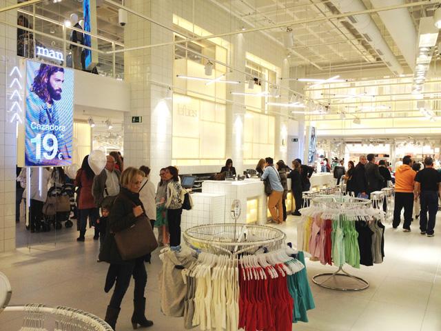 Centro Comercial Gran Vía reinaugura el nuevo concepto de LEFTIES en Alicante